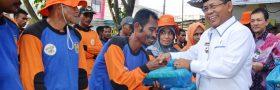 Berbagai Paket Ramadhan diberikan kepada Pekerja DLHK3 dan Pemulung TPA Kota Banda Aceh