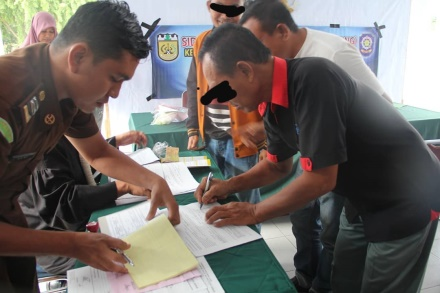 Perdana Pemko Banda Aceh Mulai Berlakukan Sanksi Denda Bagi Pelanggar Qanun Pengelolaan Sampah Di Kota Banda Aceh Dlhk3 Banda Aceh