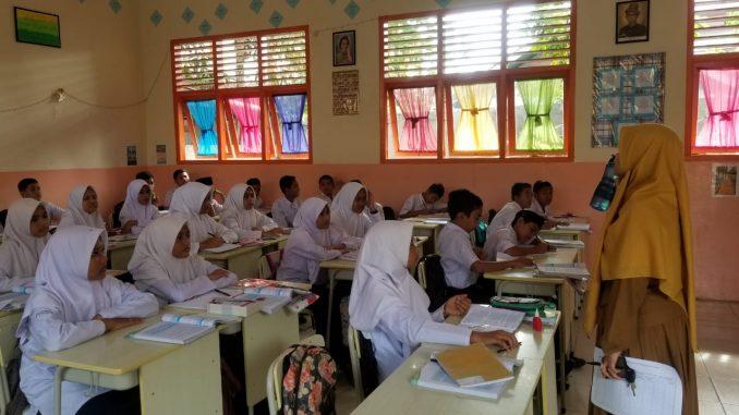 Mtsn 2 Banda Aceh Lulus Program Penerapan Pemilahan Dan Pembatasan Sampah 2019 Dlhk3 Banda Aceh